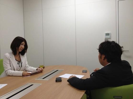 菅原さんインタビューの様子